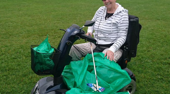 Tweet Another litter pick in Heath Park this morning. @j…